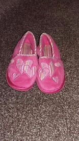 Size 7 girls slippers
