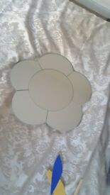 Flower shaped mirror