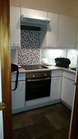 Immaculate 2 bedroom flat to rent. Parking and garden area.