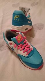 Pink and blue nike air max trainers size 5