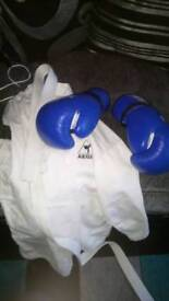 Mma outfits with gloves