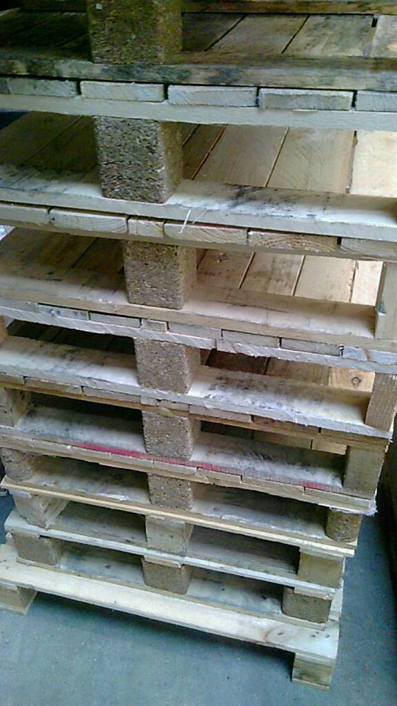 Pallets freein Burgess Hill, West SussexGumtree - Pallets free to collector, 640x900, half pallets 450x640 .suitable for small projects or just firewood. Open from 8 5 Mon Fri