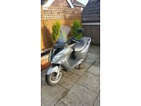2012 Sym Joyride evo 124cc Scooter - low mileage + free helmet + free waterproof motorbike cover