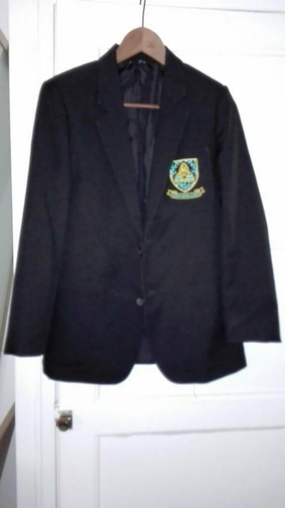 Wigston academy uniform blazer PE shirt tie approx age 12/13/14in Glenfield, LeicestershireGumtree - Wigston academy uniform bundleBlazer 33inches 84cm approx age 13 14 with badgeClip on Wigston academy tieBlack PE Polo t shirt with Wigston academy badge size xs 79 81cm 31 32 inchesGood conditionBlazer was only used for a month as moved schools £10...