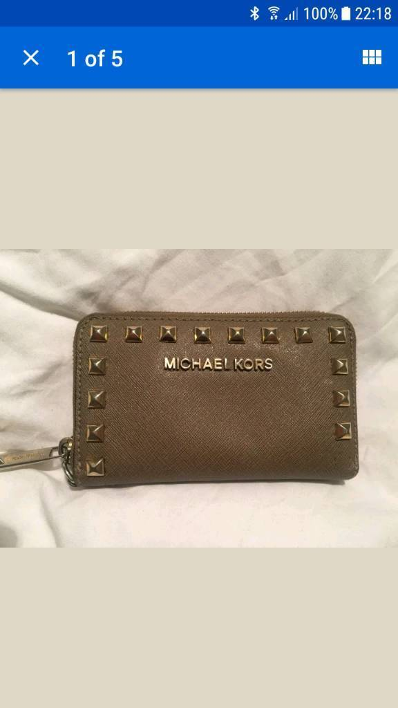 f1dd2da8a7b9 Michael Kors tan with gold purse