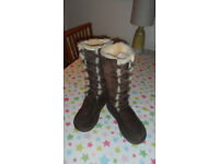 Beautiful, Rare, Tall Lace Up UGG Boots 5190, Size UK 5.5, EU 38, Fantastic Condition, Hardly Worn