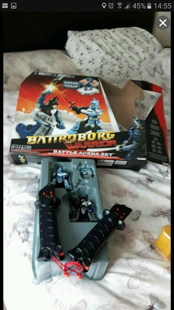 Toy battroborgs robots