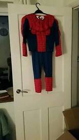 Spiderman suit age 5. Great condition.