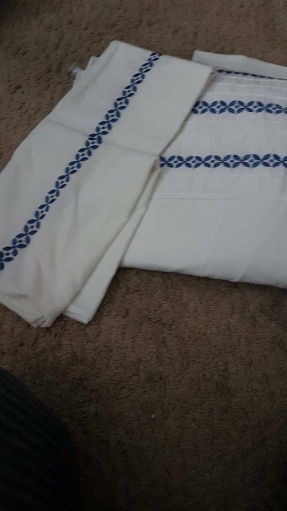Kingsize quilt cover and 2 pillow cases