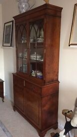 China cabinet/ bookcase Walnut veneer in excellent condition had for about 30 years