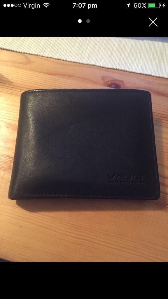 Vault wallet Brand New