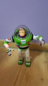 Toy Story Talking Buzz Lightyear - Sounds - 30 sayings in english and Spanish - Excellent condition