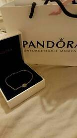 Pandora lucky in love bracelet