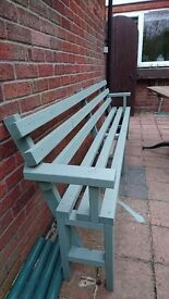 Lovely modern green bench 8ft long excellent condition