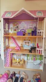 Dolls house and Barbie dolls