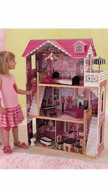 Dolls house for sale. £30