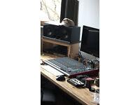 Allen & Heath ZED R16 Firewire Analog Desk