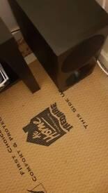 Samsung sound bar with base box