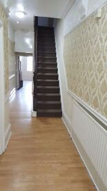 ****** BEAUTIFULLY REFURBISHED ROOMS ALL INCLUSIVE WITH WIFI *****