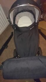 Pram and carrycot. Oyster 2. Bargain!