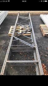 3 racking uprights