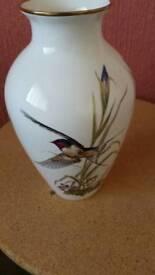 Vase in v g c.