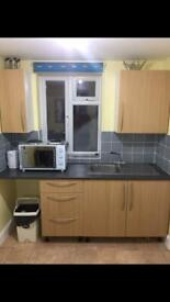 One double bed apartment in Muslim house all bills included