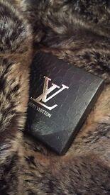 Gold bracelets designer LV, Chanel