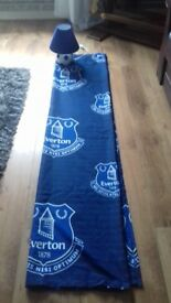 Everton Curtains And Lamp