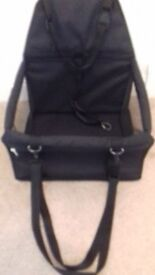 Pet booster seat for car