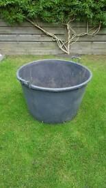 Large plastic 160 ltr plant pot