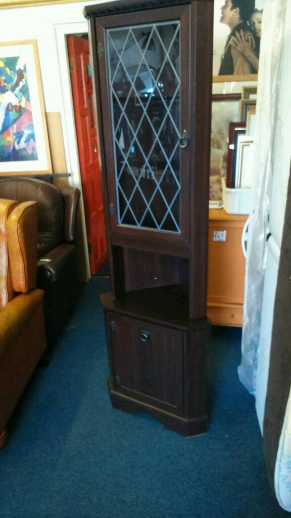 Corner cabinet in good conditionin Sale, ManchesterGumtree - Corner cabinet in good condition lights up comes in two halves for transport really nice peace of furniture 24 inches wide 72 inches high bargain
