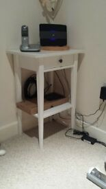 Solid White Modern Bedside Table