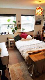 Spacious double room 3 bed house Centurion Rd Bton
