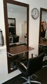hairdressing mirror position
