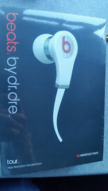 Beats by Dre - Tour- Inner Earphones - White and Red