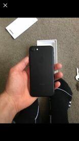 Hi iPhone 7 32gb a week old