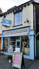 SHOP TO LET IN KINGSTON ROAD, TAUNTON + KITCHEN/W.C REAR YARD/STORE £550 PER MONTH (£6,600 PER YEAR)