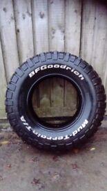 BF Goodrich Mud terrain 235 75 15