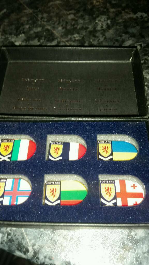 Set of 2008 euro qualifiers pin badges