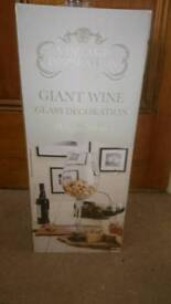 Large wine glass/wedding piece