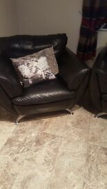 3 piece leather natuzzi suite black