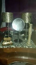 Bed side lamp shades holders