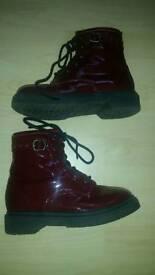 Ladies/girls burgandy patent boot size UK3