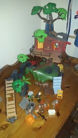 wildlife playmobil like new , no box but has instruction ex condition