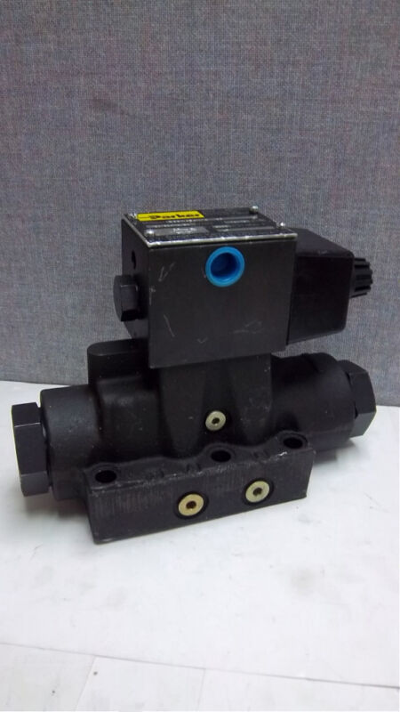 PARKER DIRECTIONAL VALVE D63W4B4NYC 36 NEW D63W4B4NYC36