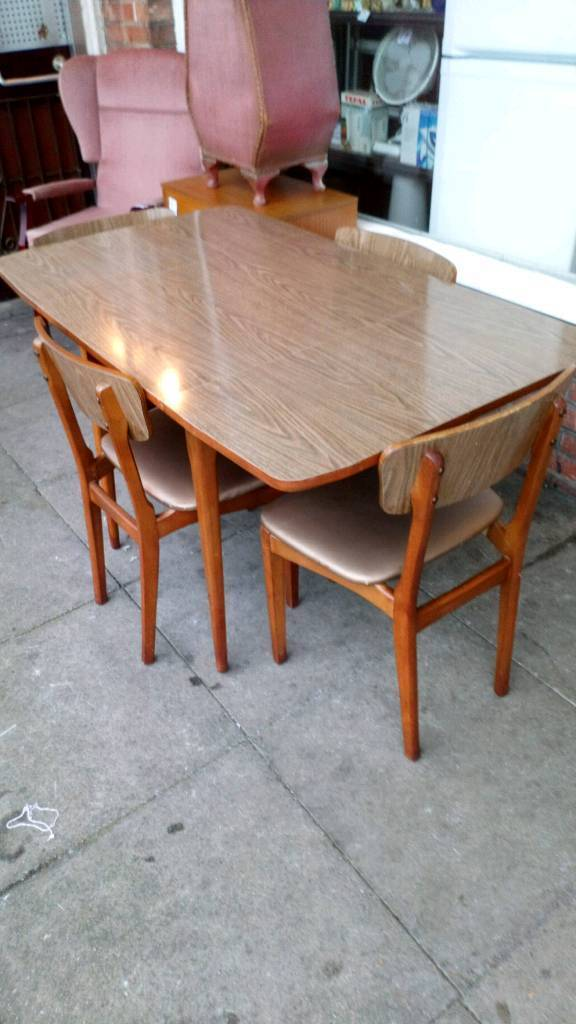 Sale Manchester 4500 Vintage Table And Four Chairs Matching