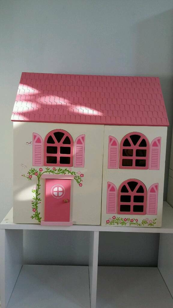 Delightful Dolls House With Furniture And Doll Family