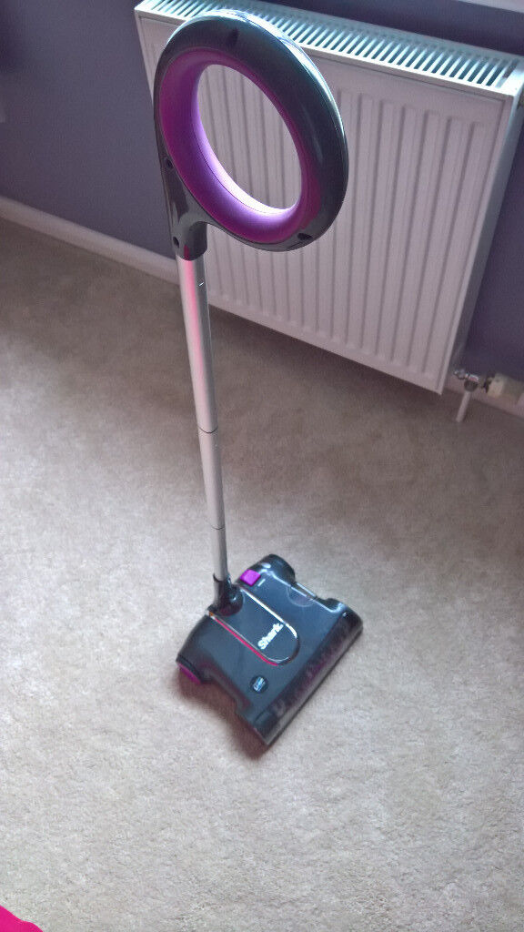 *REDUCED FOR A QUICK SALE* Shark Cordless, Rechargeable Floor Sweeper