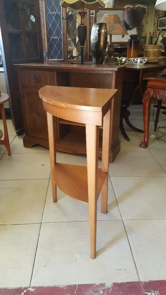 Vintage 2 Tier Plant / Side / Lamp Table